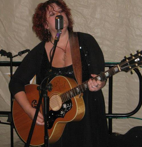 Oona Love singing her heart out