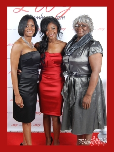 Latresha with her mom and sister